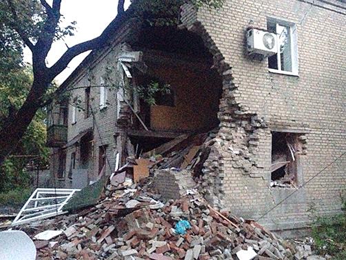 РЕЗУЛЬТАТЫ ОБСТРЕЛОВ г. Ясиноватая украинскими силовиками